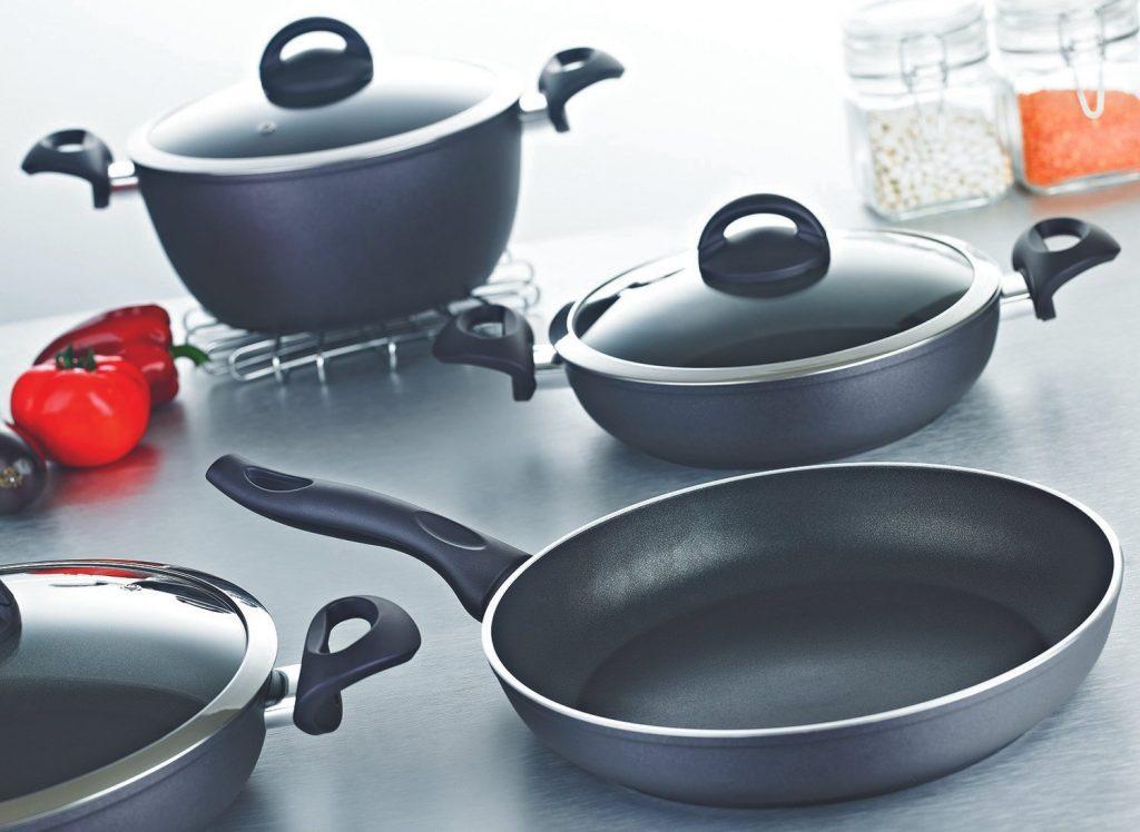 Teflon cookware set